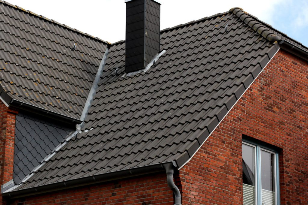 how much does a roof cost